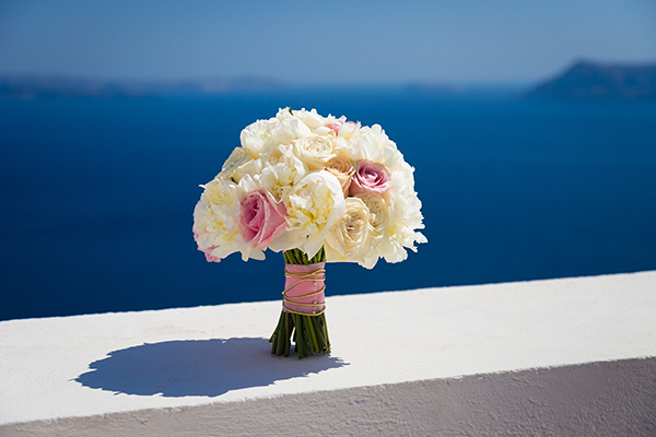 pink-and-gold-wedding-in-santorini-7