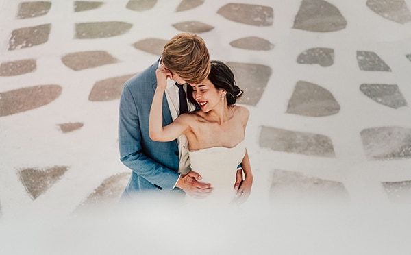 romantic-intimate-wedding-santorini-_02.