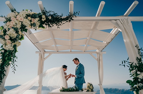 romantic-intimate-wedding-santorini-_15.
