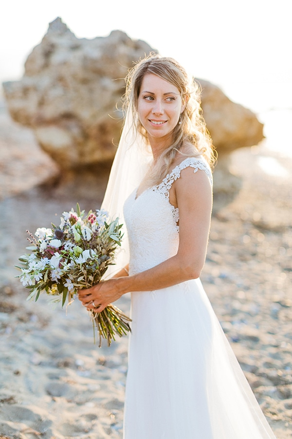 beautiful-beach-wedding-crete_03