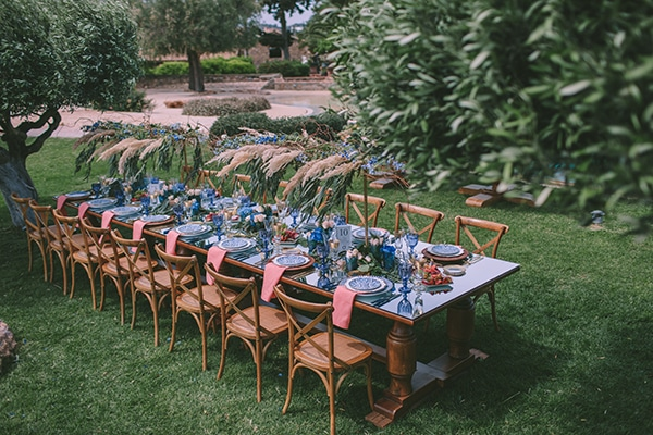gorgeous-chic-styled-shoot-royal-blue-hues_19