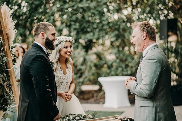 gorgeous-green-white-boho-wedding_24x.
