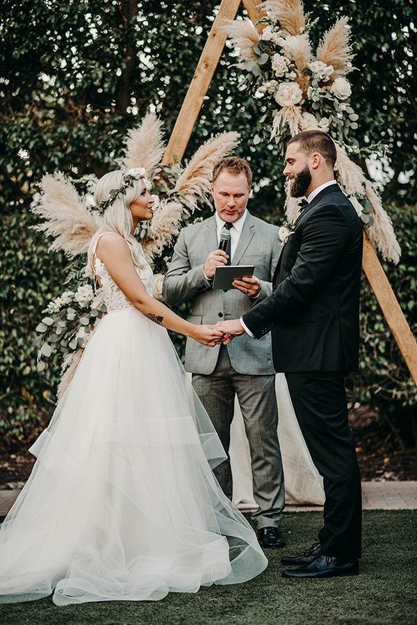 gorgeous-green-white-boho-wedding_25.
