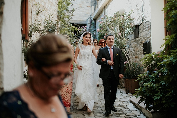 unique-wedding-with-traditional-elements-27