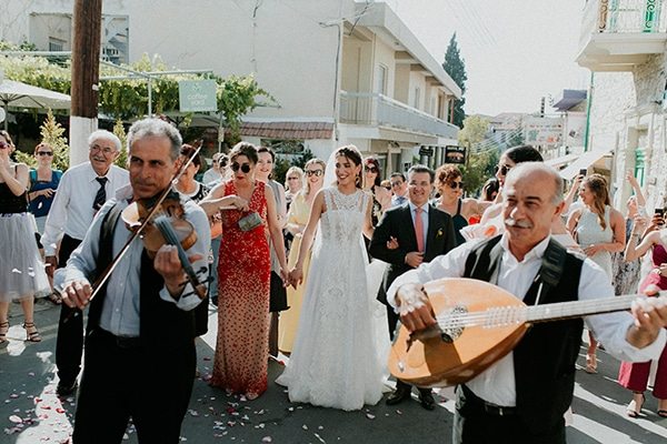 unique-wedding-with-traditional-elements-27x