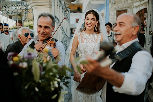 unique-wedding-with-traditional-elements-29