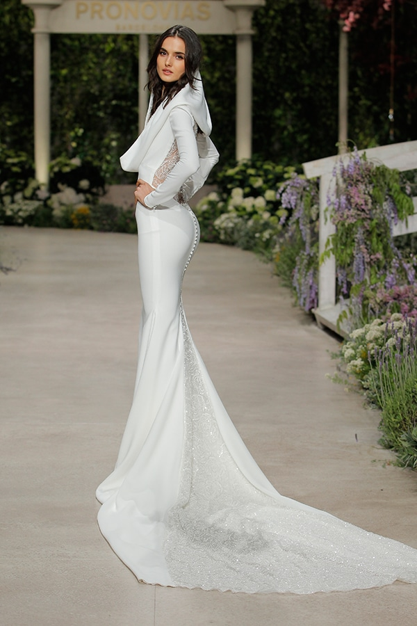 impressive-bridal-fashion-show-that-mesmerize-us-pronovias-barcelona_03