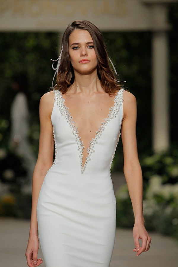 impressive-bridal-fashion-show-that-mesmerize-us-pronovias-barcelona_05