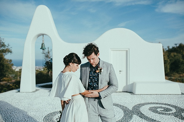 Modern romantic elopement in Santorini