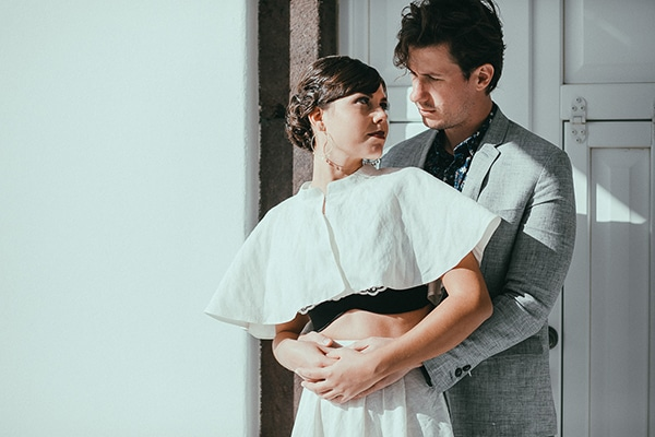 modern-romantic-elopement-santorini-_12