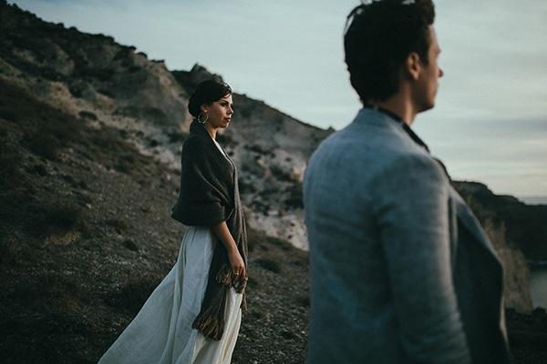 modern-romantic-elopement-santorini-_30