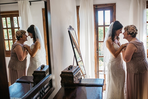 rustic-romantic-cyprus-wedding-_12