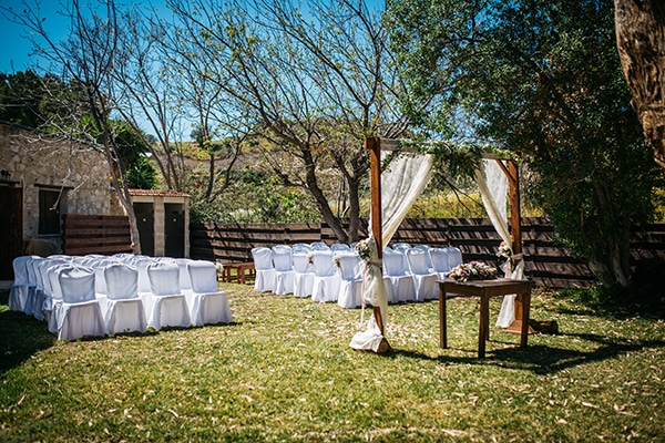 rustic-romantic-cyprus-wedding-_15
