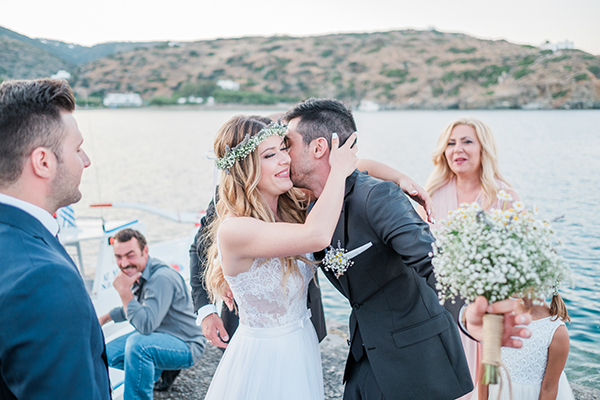 beautiful-summer-wedding-sifnos_17