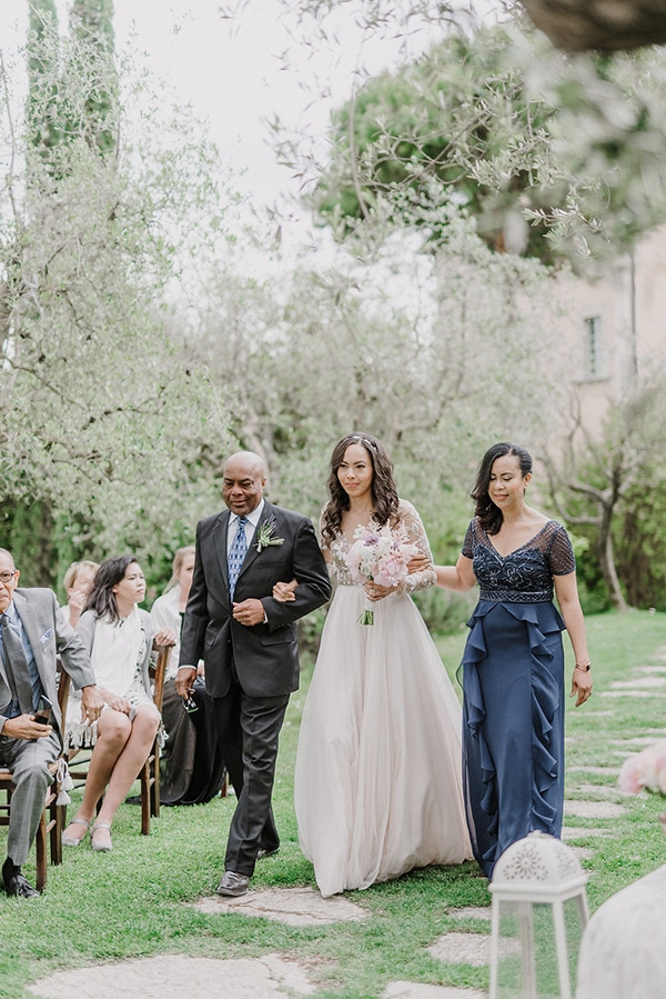 beautiful-wedding-with-olive-leaves_16