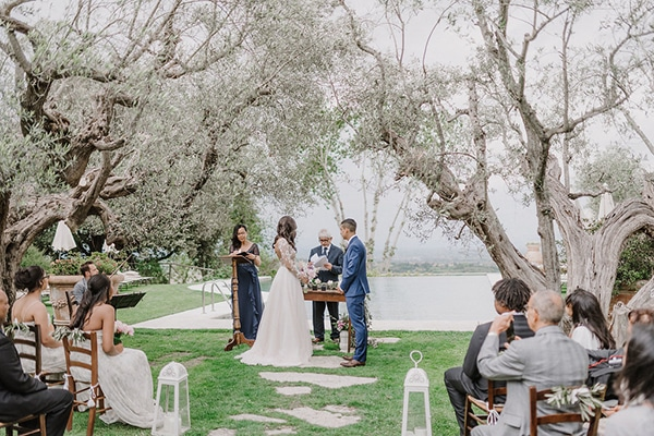 beautiful-wedding-with-olive-leaves_17