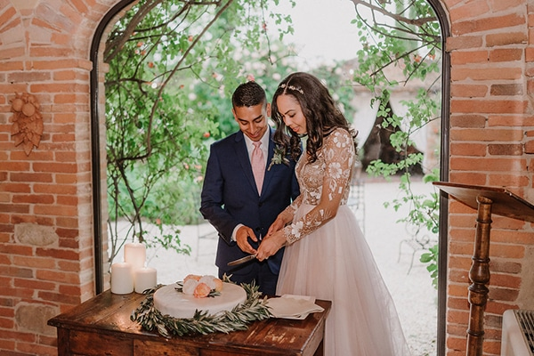 beautiful-wedding-with-olive-leaves_25