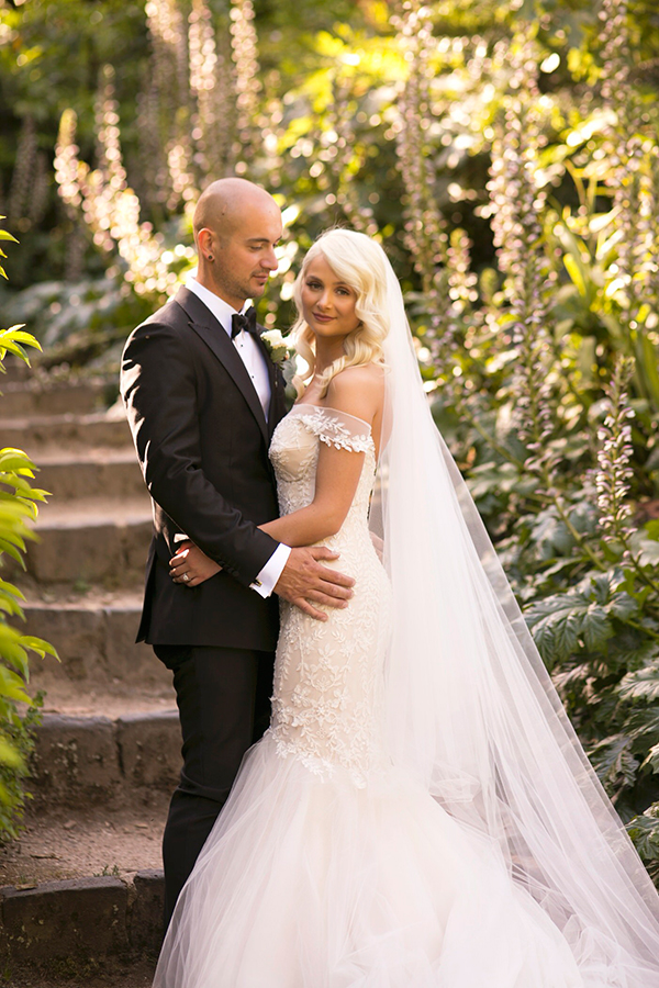 classic-elegant-wedding-white-flowers_01