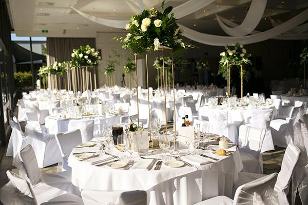 classic-elegant-wedding-white-flowers_27