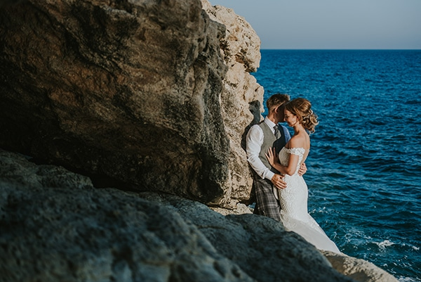 dreamy-wedding-overlooking-ocean_31