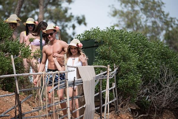 prewedding-beach-party-shoot_23