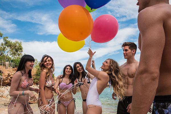 prewedding-beach-party-shoot_25