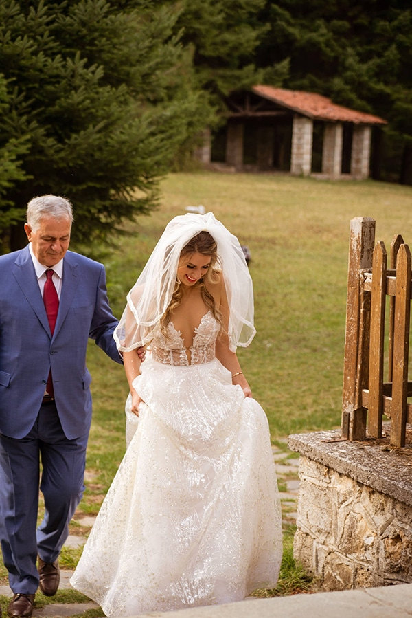 gorgeous-glam-chic-wedding-gold-details_16