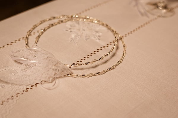 gorgeous-glam-chic-wedding-gold-details_17