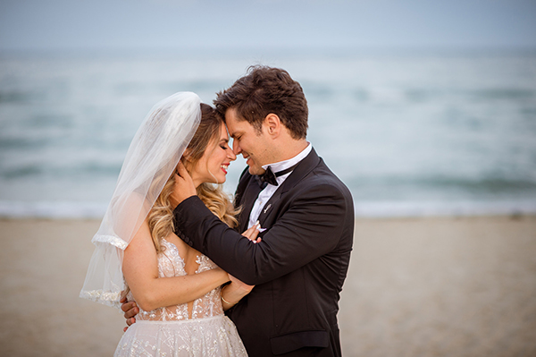 gorgeous-glam-chic-wedding-gold-details_31