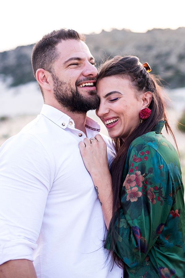 gorgeous-relaxed-engagement-session_07