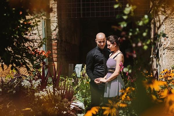 intimate-civil-ceremony-greenery-background_15