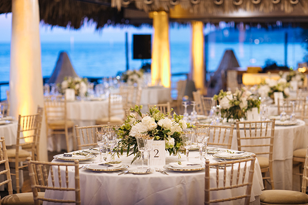 santorini-wedding-with-an-elegant-style_17