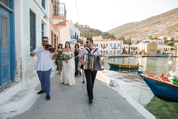 traditional-greek-wedding-green-beige-hues_15