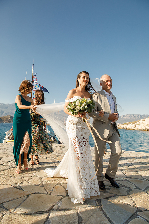 traditional-greek-wedding-green-beige-hues_19