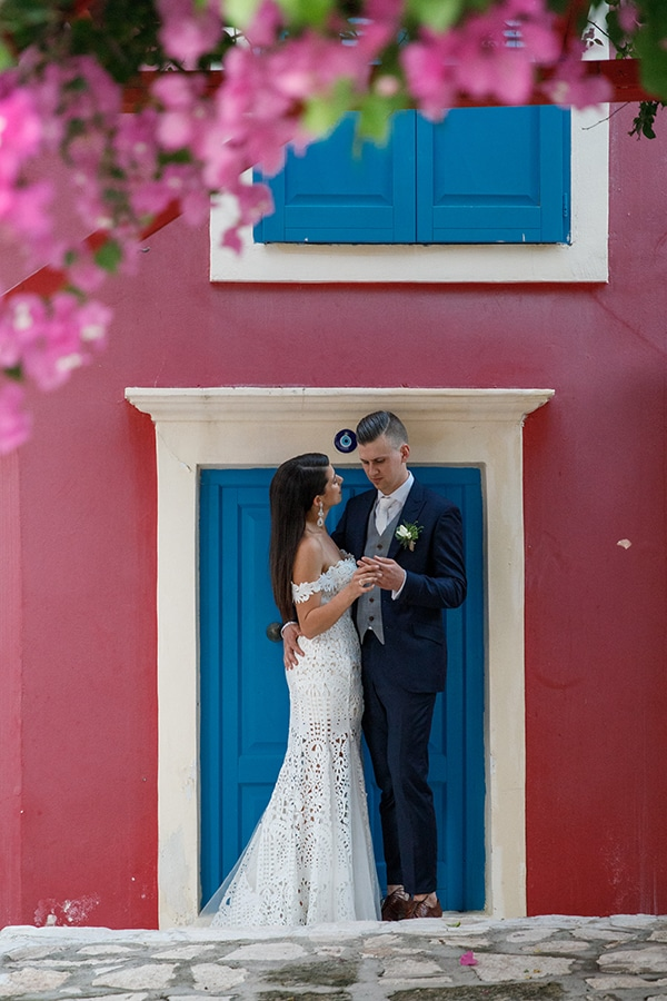 traditional-greek-wedding-green-beige-hues_34