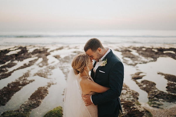 Dreamy wedding overlooking the sea in Bali | Libby & James