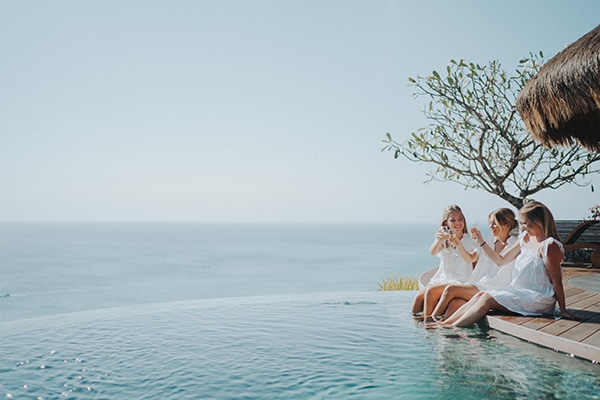dreamy-wedding-overlooking-sea-bali_06