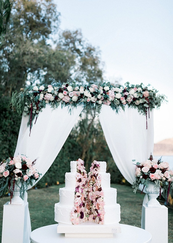 wedding-decoration-ideas-burgundy-pale-pink-hues_12