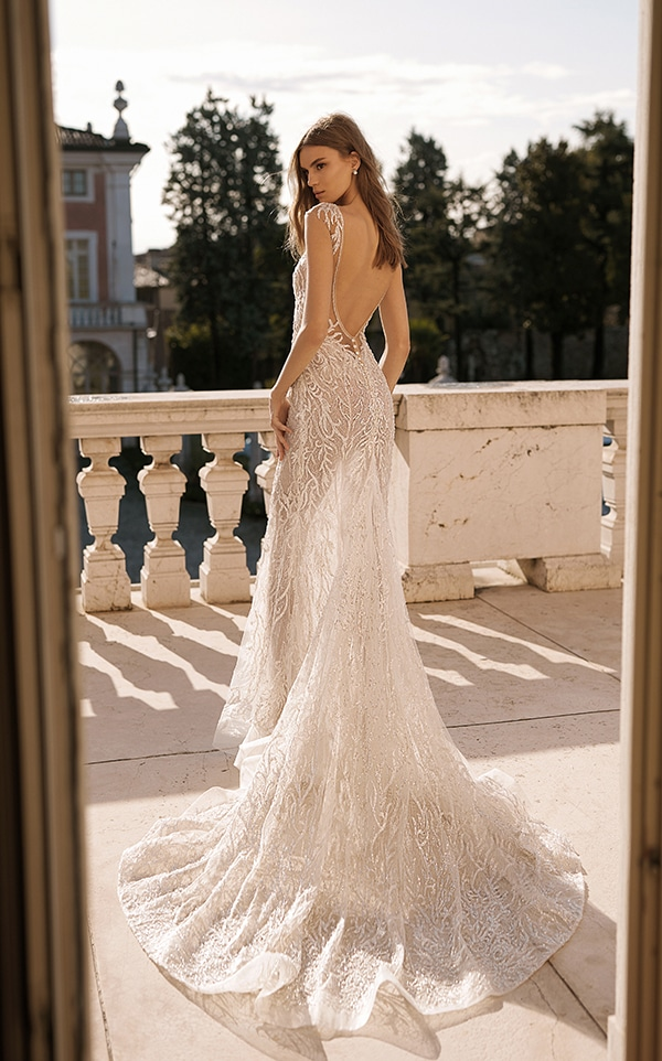 classic-flawless-wedding-dresses-berta_05