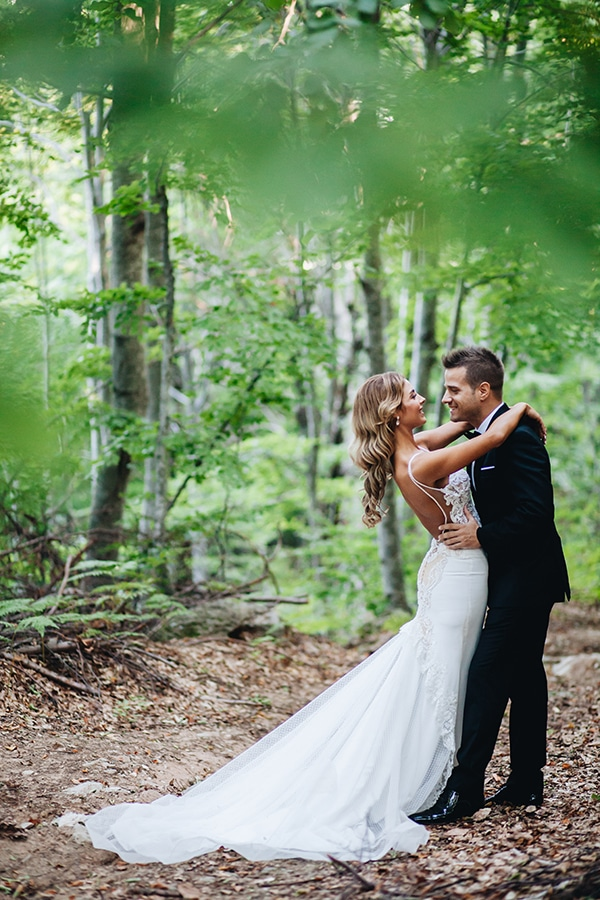 minimal-chic-mountain-wedding-portaria_04x