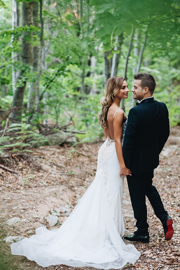 minimal-chic-mountain-wedding-portaria_29