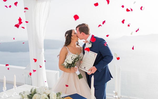 gorgeous-intimate-wedding-santorini_16