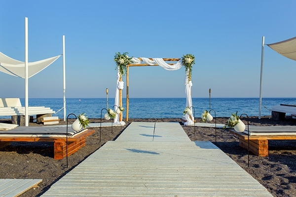 beautiful-beach-wedding-santorini_09