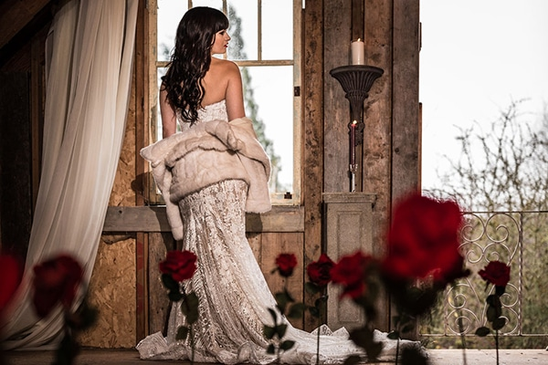 romantic-winter-barn-styled-shoot_03