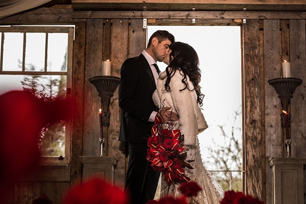 romantic-winter-barn-styled-shoot_06