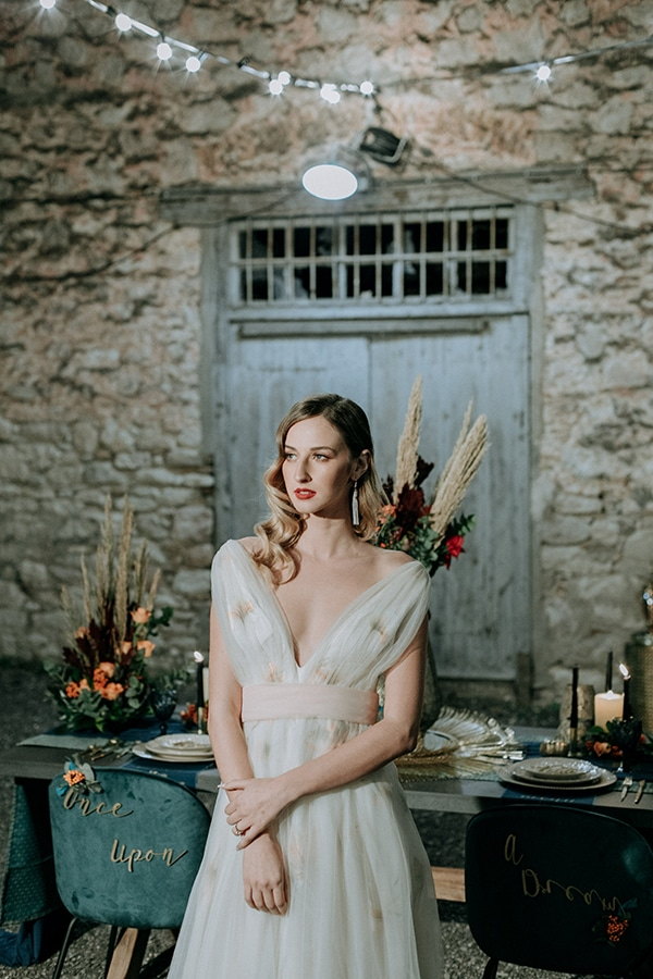 breathtaking-fairytale-styled-shoot-greece_34