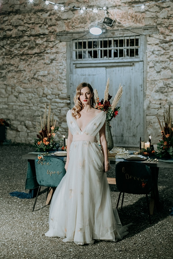 breathtaking-fairytale-styled-shoot-greece_39