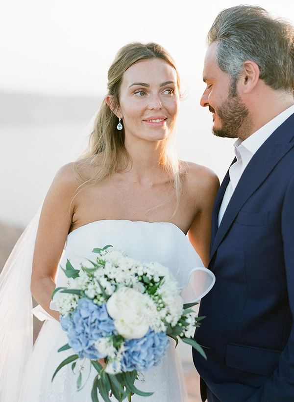 dreamy-blue-white-wedding-santorini_02