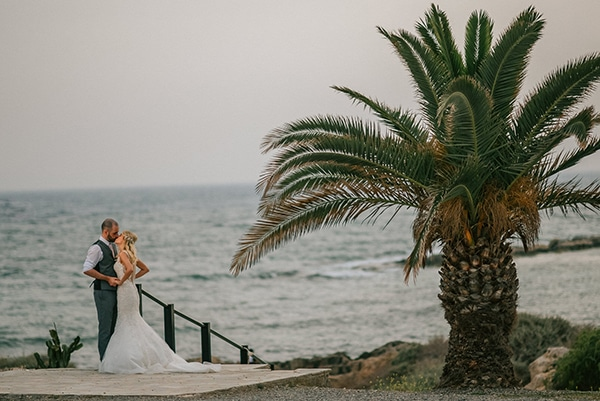 romantic-wedding-pink-grey-hues-cyprus_18