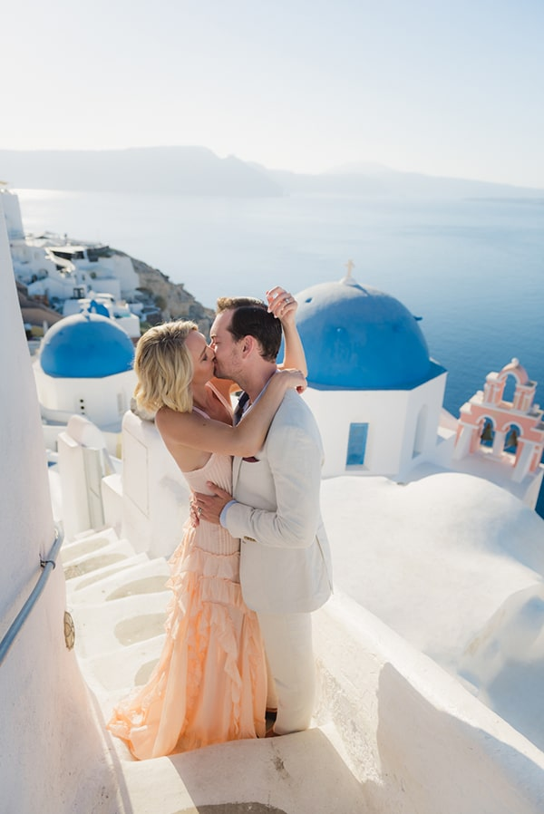 beautiful-romantic-shoot-santorini_51